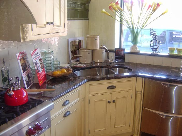 kitchen countertops 19038 with water taps helps clean your ingredients for a smart cooking there