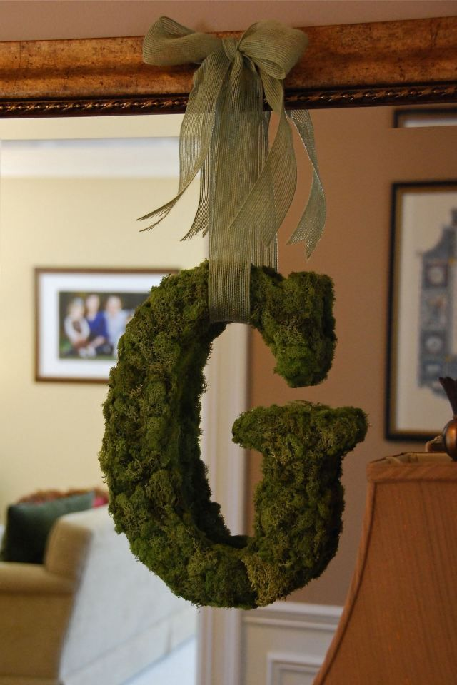 Moss covered initial {Styrofoam}--how great would this look hanging in the garden?