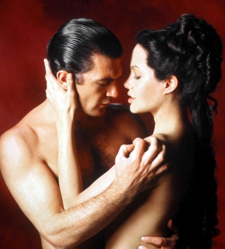 Banderas and Jolie. Original Sin.