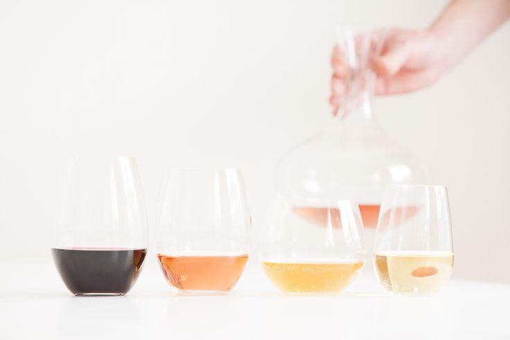 Bjud in till vinduell | Smakbalans    Prova två olika viner till samma mat. På så sätt upplever du vinernas egenarter bäst. Jag kallar det för vinduell. Kolla vilket som matchar maten bäst! Vilka smaker förstärks och vilka försvinner med respektive vin...    #vin #tips #mat
