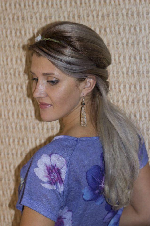 Серый цвет волос, растяжка цвета, холодный блонд