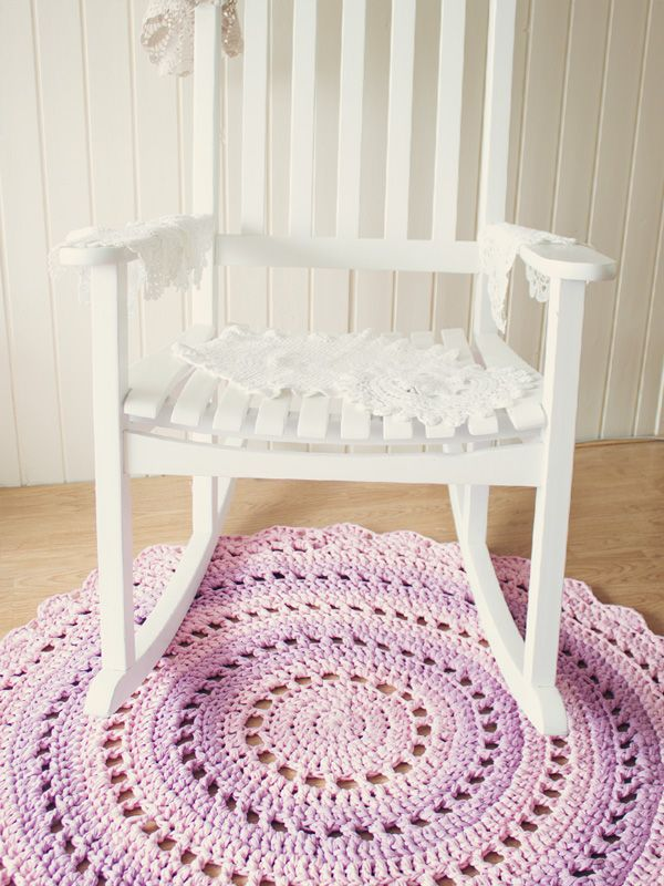 Free Crochet Patterns With Q Hook : Free rug pattern from t-shirt yarn (Zpaghetti), uses a ...