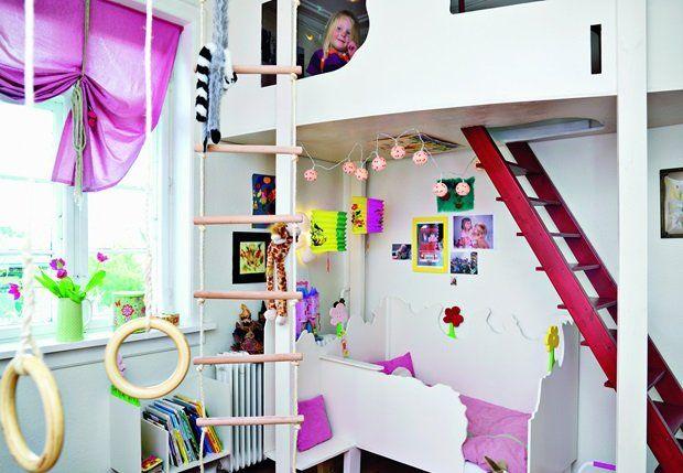 En hems på børneværelset frigiver plads på gulvet, som måske kan ...