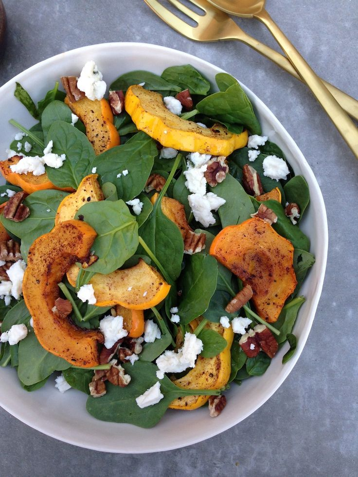 Acorn Squash Spinach Salad: Healthy Thanksgiving, Squashes Salad, Farms To T Thanksgiving, Thanksgiving Recipes, Farmers Marketing, Gabi Cooking, Spinach Salads, Acorn Squashes Spinach Salad1, Food Recipe