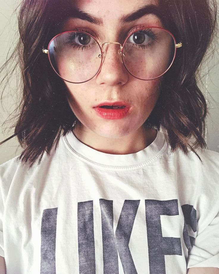 literally one of my fav pictures of Dodie