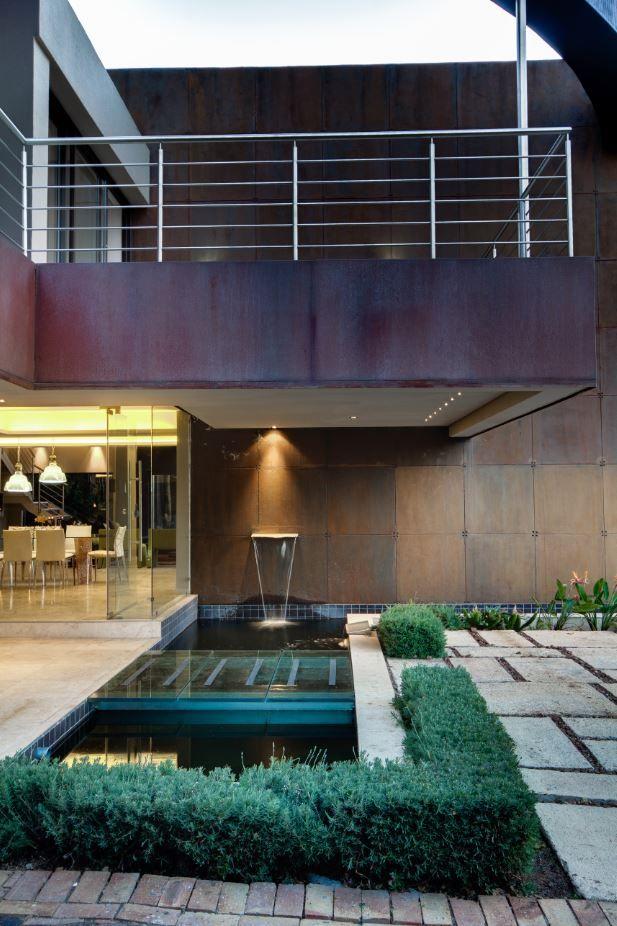 House THE | Atriums | Nico van der Meulen Architects | M Square Lifestyle Design | M Square Lifestyle Necessities | #Atrium #Garden #Contemporary #Architecture #Outside #Spring