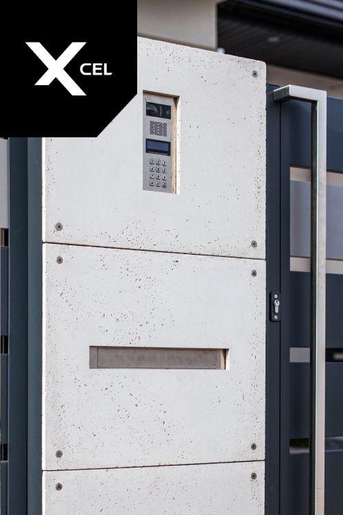 Minimalistic mailbox / postbox by Xcel.  Minimalistyczna skrzynka na listy Xcel.