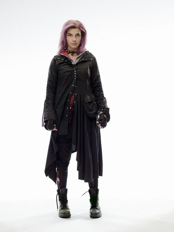 Sami help me.. I need pink hair spray, a trench coat, and leather fingerless gloves. And a choker.   Nymphadora Tonks Costume | Natalia Tena Nymphadora Tonks