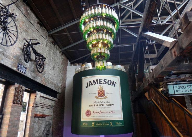 Em Dublin visitamos a Old Jameson Distillery para provar o bom whisky irlandês. Veja como foi lá no blog: letsflyaway.com.br --------- In Dublin we visited the Old Jameson Distillery to taste the good Irish whiskey. See how it was on the blog: letsflyaway.com.br --------- #irlanda #dublin #ireland #irlanda #ireland #ireland_gram #whisky #whiskey #bestvacations #igtravel #instatravel #photooftheday #picoftheday #traveladdict #travelblog #travelgram #trip #viagem #wanderlust #worldplaces…