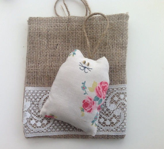 hessian and lace gift bag