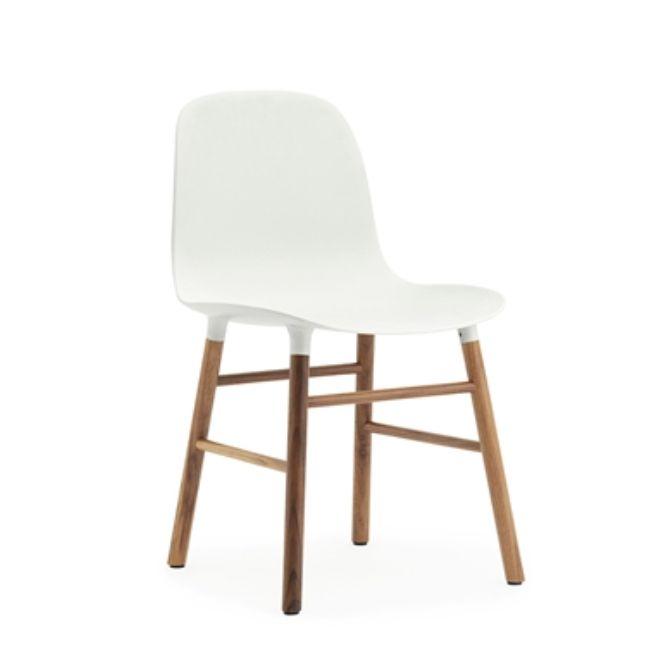Form tuoli, pähkinäpuinen runko, 6 värivaihtoehtoa