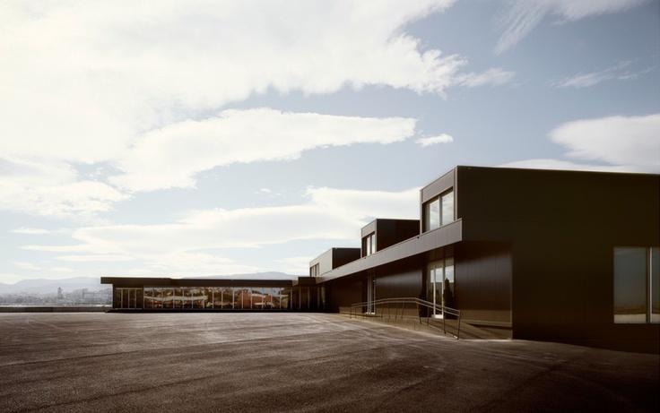 Cruise Ship Terminal in Bilbao / [baragaño]