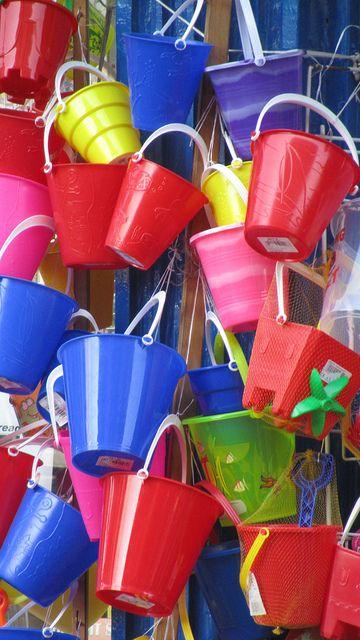 bright seaside buckets