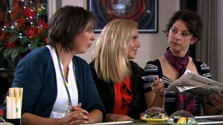 Miranda, Tilly (Sally Phillips) & Stinky (Belinda Stewart-Wilson) in the sushi restaurant (video)