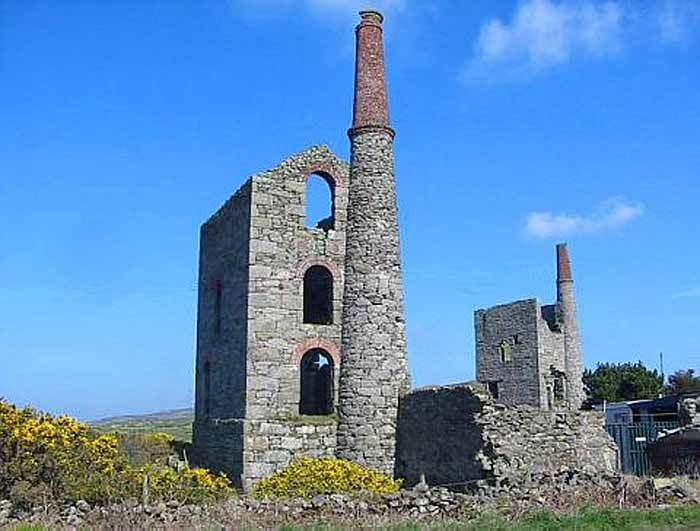 Mining in Cornwall and Devon in the south west of England began in the early Bronze Age approximately 2150 BC and ended with the South Crofty tin mine in Cornwall closing in 1998. Our tour took us to some of the ruins of old tin mines in Cornwall.