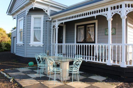 . - Awhitu Peninsula bach or holiday home