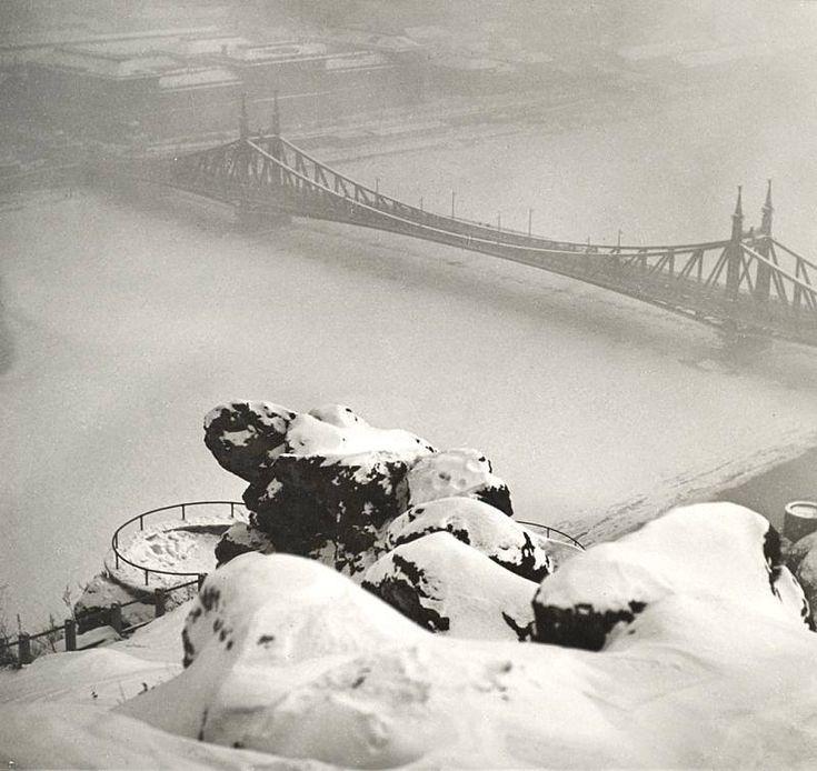 A Szabadság híd télen, Budapest Fotó: Vadas Ernő (1899 - 1962)