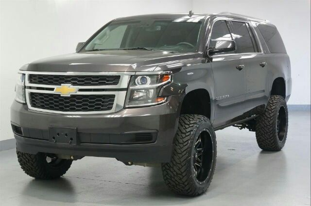 2016 Chevrolet Suburban LT lifted