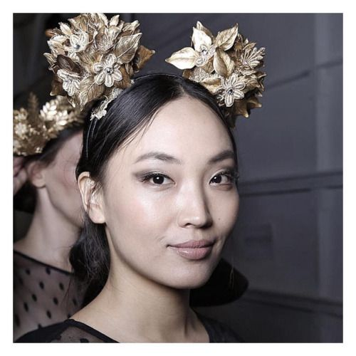 Obsessing over @viktorianovak at the moment for Melbourne Spring Racing Carnival   #headpiece #viktorianovak #amazing #gold #detail #women #womenswear #womensfashion #need #love #springracing #melbourne #springracingcarnival #melbournestylist #thestylistsays #thestylistloves
