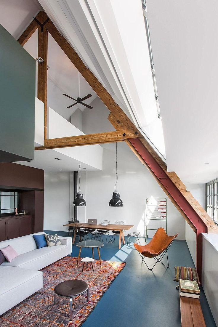 Pastoe wire chairs in mooie loft