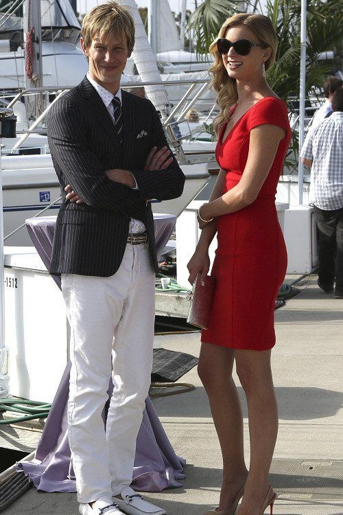 Emily Thorne (Emily Vancamp) and Nolan Ross (Gabriel Mann) - Revenge