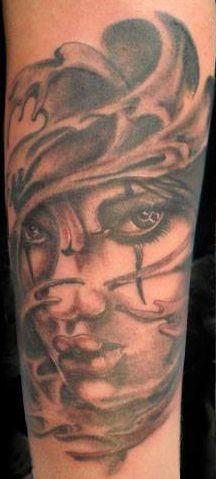 Volto di donna, tatuaggio black and grey