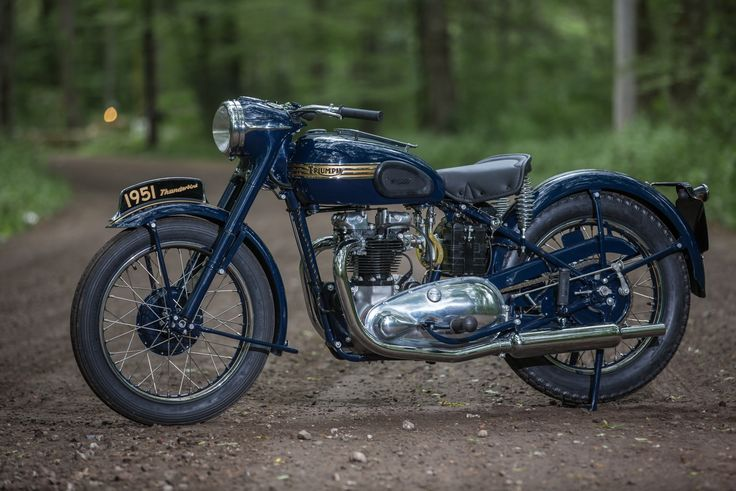 What a bike! Triumph Thunderbird 1951 restored by Choppahead Kustom Cycles