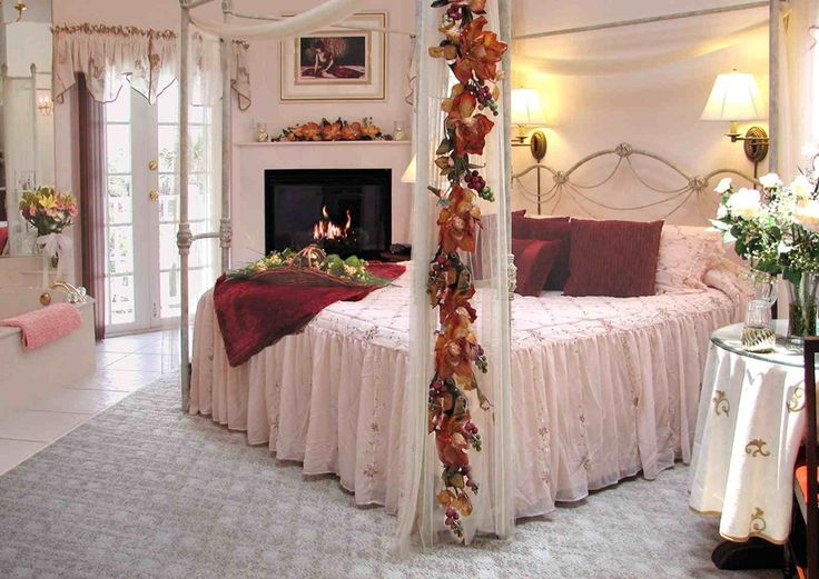 Tips For Decoration U0027Romantic Nightu0027 Master Bedroom Spread Decor: Romantic Bedroom  Decorations Photograph 01