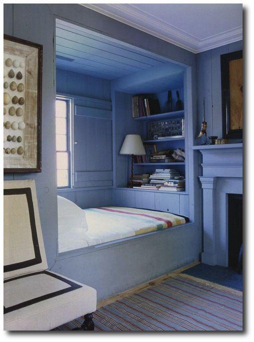 I'd love some shelves like this.