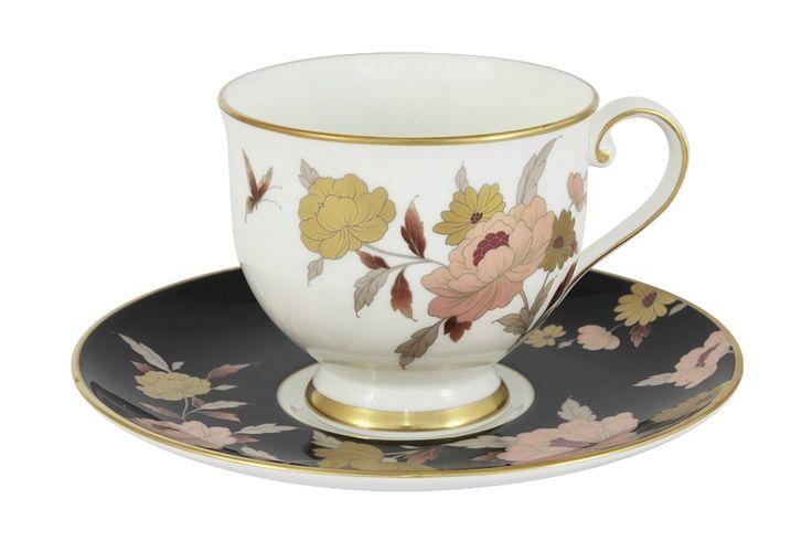 Чашка с блюдцем из костяного фарфора «Мирей» чёрный      Бренд: Narumi (Япония);   Страна производства: Индонезия;   Материал: костяной фарфор;   Объем чашки: 240 мл;          #bonechine #chine #diningset #teaset #костяной #фарфор #обеденный #сервиз #посуда  #обеденныйсервиз #чайныйсервиз #чайный  #чашка #кружка #набор #сервировка #cup #mug #set #serving #tea #чай