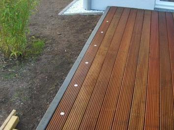LED-Beleuchtung auf der Terrasse Terrasse Terrasse bauen Sie sich auf.