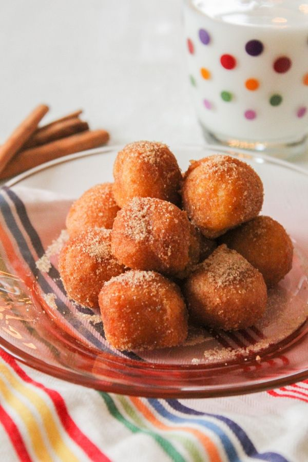 Perfect for breakfast, snack time and dessert! #FarmRichBakery #DonutHoles