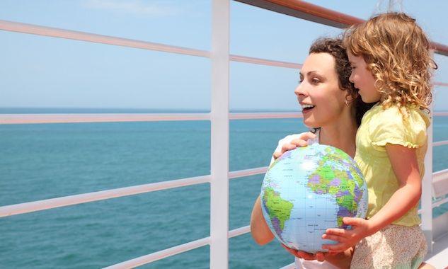 5 Easy Tips for New Year's Travel Planning / Social Moms
