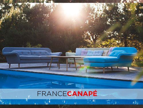 Nos #canapes au bord de la #piscine #bonheur #ete #summer #confort #design #scandinave #bleu #canapebleu #blue #soleil #vacances