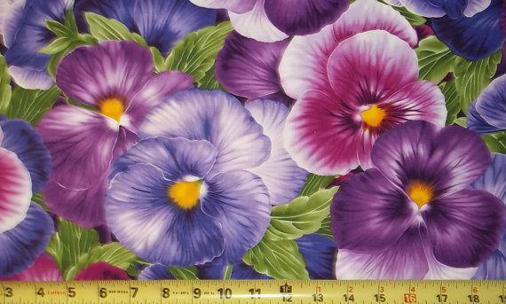 Paarse Pansy viooltjes stof tijdloze door TheCalicoCatFabrics