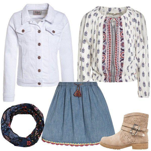 Outfit composto da gonna di jeans light blue, camicetta multicolor con scollo tondo e giacca di jeans white. Completo il look con uno stivaletto con punta tonda e uno scaldacollo a fantasia floreale.