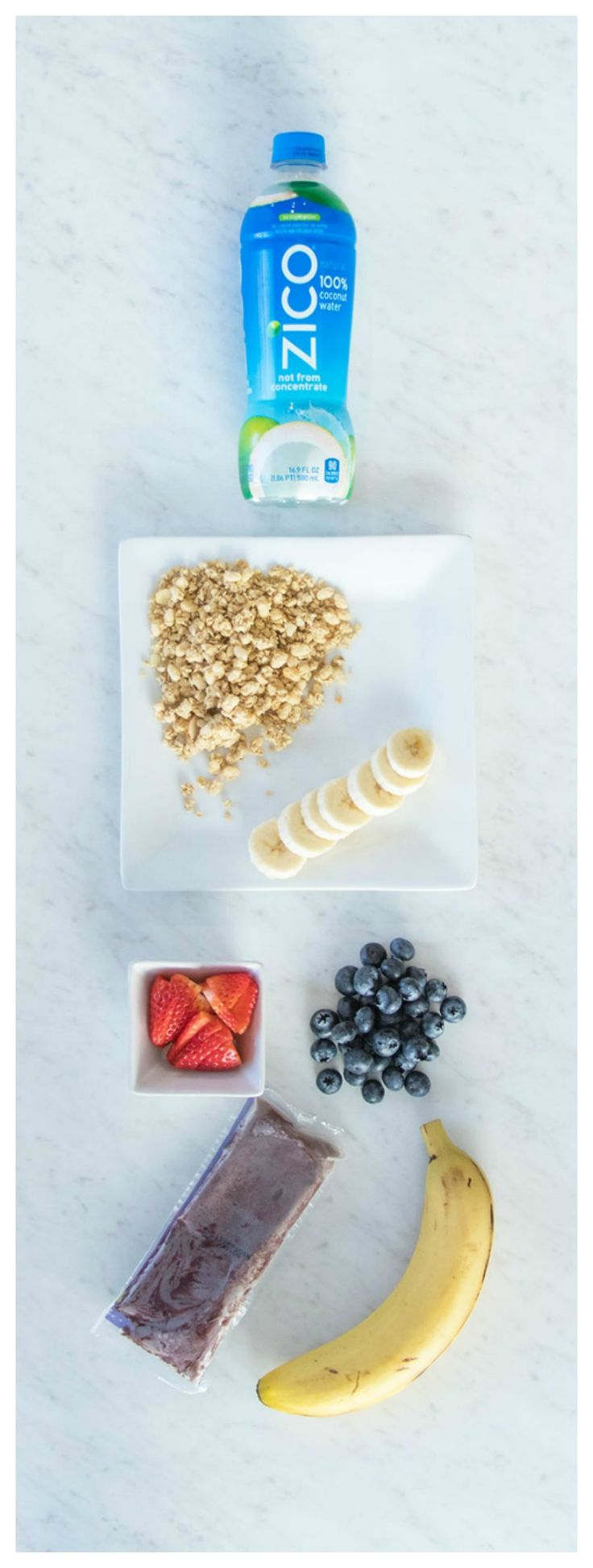 Easy recipe for an at home acai bowl with ZICO coconut water! So delicious and healthy, and your kids will love them too! http://lifebylee.com/easy-acai-bowl-with-coconut-water/