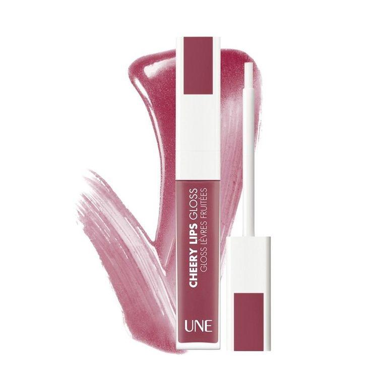ΤοUne by Bourjois Cherry Lip Glossείναι ένα ενυδατικόlip gloss,που σας προσφέρει χρώμα και λάμψη για πάνω από 8 ώρες! Η θρεπτική φόρμουλά του προέρχεται από φυσικά συστατικά, όπως οργανικό σησαμέλαιο και οργανικό έλαιο ντομάτας, όλα με την πιστοποίηση της Ecocert.Το απο