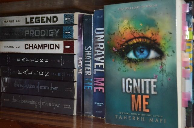 Legend, Prodigy and Champion Fallen and Rapture The Unbecoming of Mara Dyer and The Evolution of Mara Dyer Ignite me, Unravel Me, Shatter Me and Unite Me