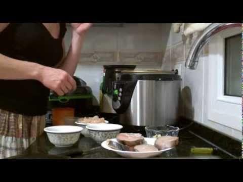 ▶ Merluza en salsa verde en olla GM - YouTube