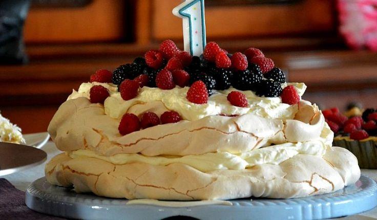 Tort Pavlova z kremem mascarpone - Antoonovka