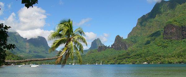 Moorea Island, Tahiti - http://beachrove.com/moorea-island-tahiti/
