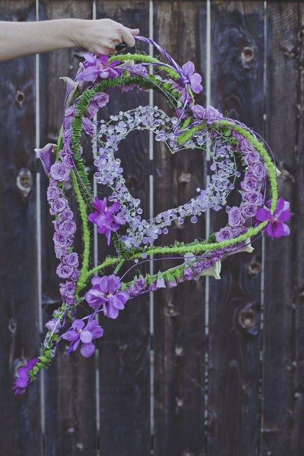 10 Amazing Purple Wedding Decorations To Admire