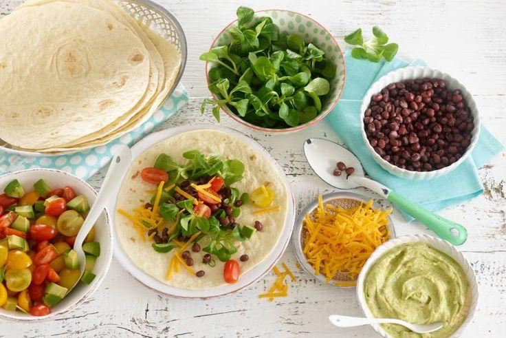 Kijk wat een lekker recept ik heb gevonden op Allerhande! Tortillawraps met adukibonen, avocadomascarpone en tomaat