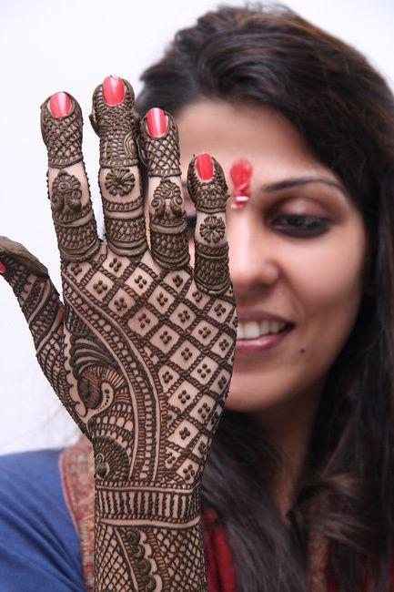 Mehndi Designs For Back Hands