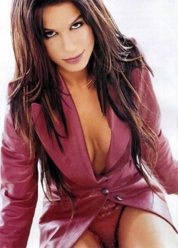 sandra bullock sexy look - photo #39