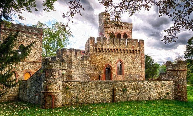 Руины замка Мосбург