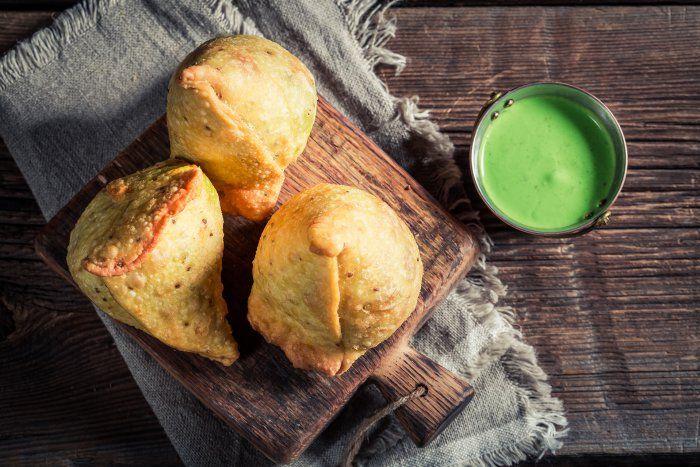 Sauce verte indienne à la menthe pour samossa