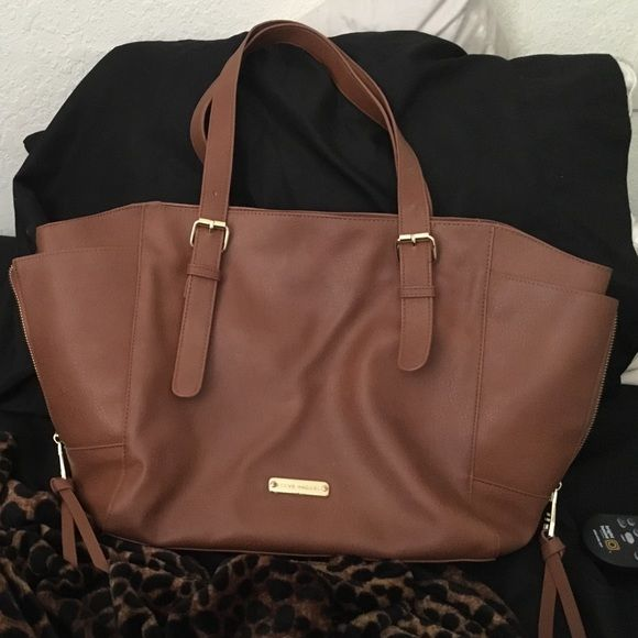 Steve Madden Purse Like brand new only been used twice matches with mostly everything Steve Madden Bags Shoulder Bags