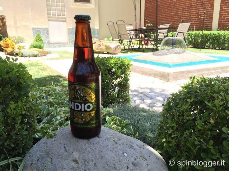 Cerveza Indio è la birra messicana per eccellenza, di colore scuro con un leggero tono di dolce che riporta il suo livello di amarezza, per questo il suo